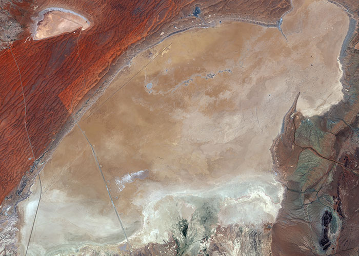 Hakskeen Pan, South Africa | WorldView-2 | 26 Jan 2014