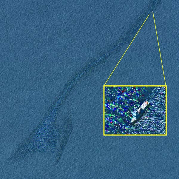 Oil spill off the Canary Islands imaged by GeoEye-1 satellite on 23 April 2015 © European Space Imaging