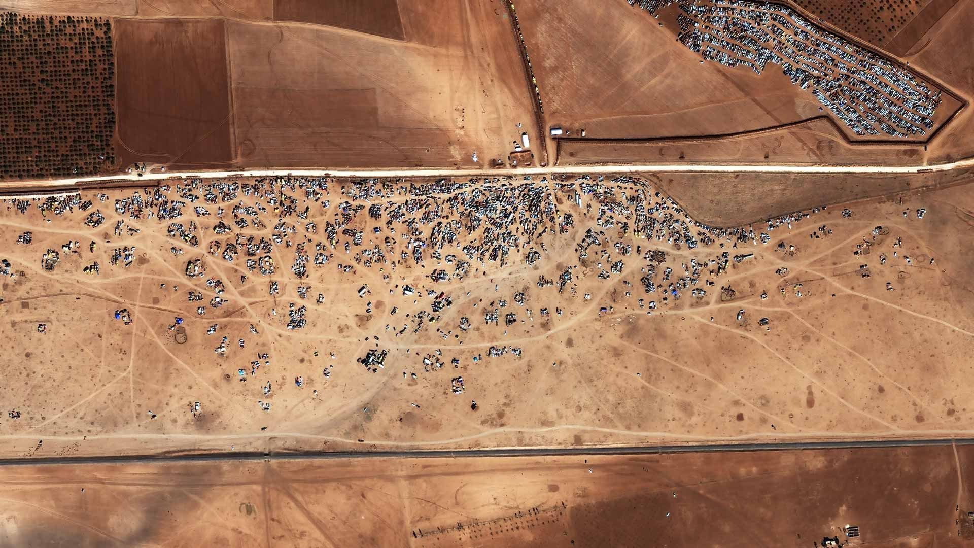 Abandoned cars at the Syria-Turkey Border Captured by WorldView-2 | 22 October 2014