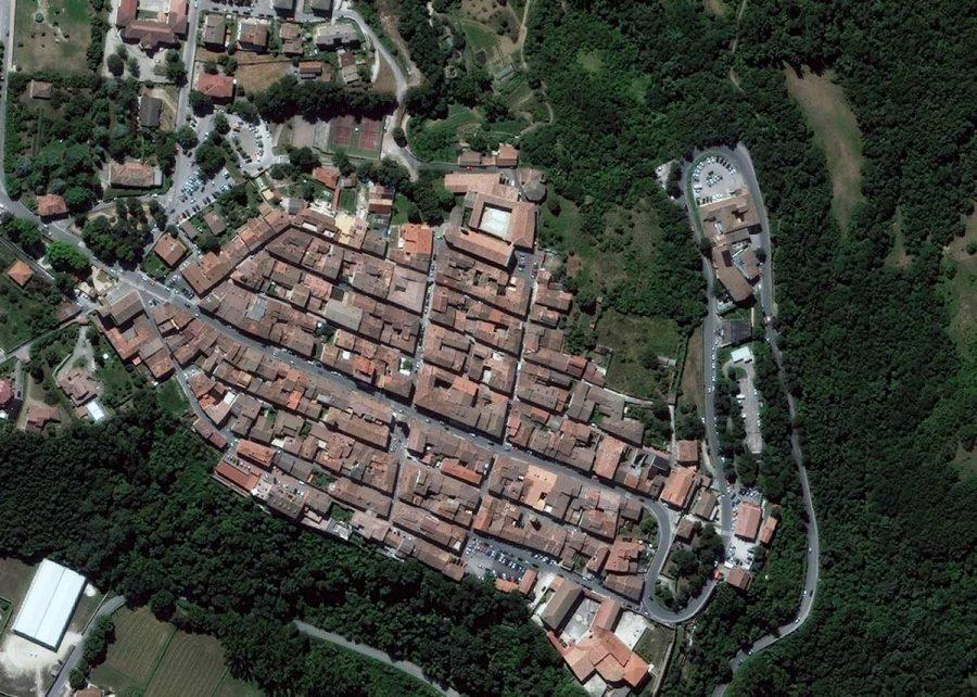 EQ-BF-16AUG25_WV2_EUSI_Earthquake_ITALY-Amatrice_EHFLAT_crop2